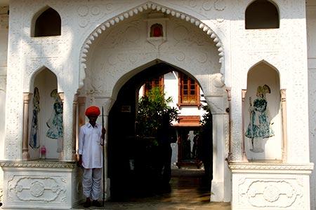 Pushkar hotel virtourist com pushkar for Very luxury hotels