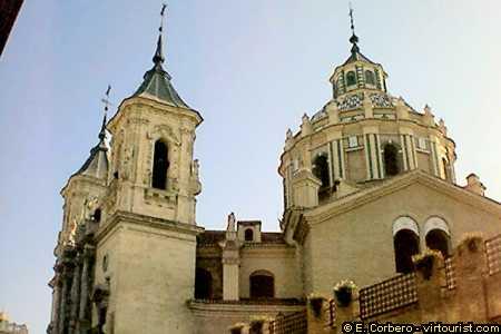"41/43.- Granada, ""Basílica San Juan de Dios"""
