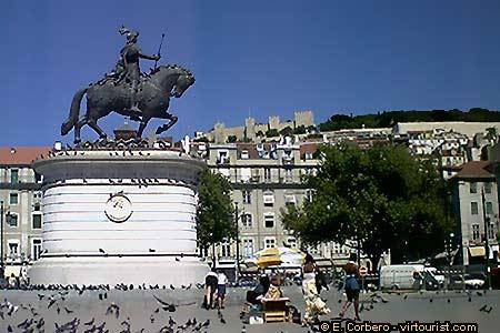 Praça da figueira estatua