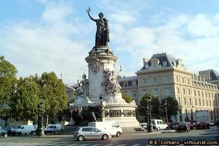 37/50.- Paris, Place de la Republique. VIRTOURIST.COM