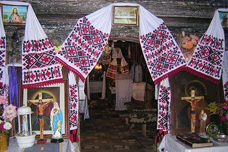 Surdesti, interior of the Greek-Catholic church